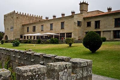 Parador de BAIONA 36300 Baiona (Pontevedra) Teléfono: 986 355 000  /  Fax 986 355 076 E-mail: baiona@parador.es www.parador.es/es/parador-de-baiona